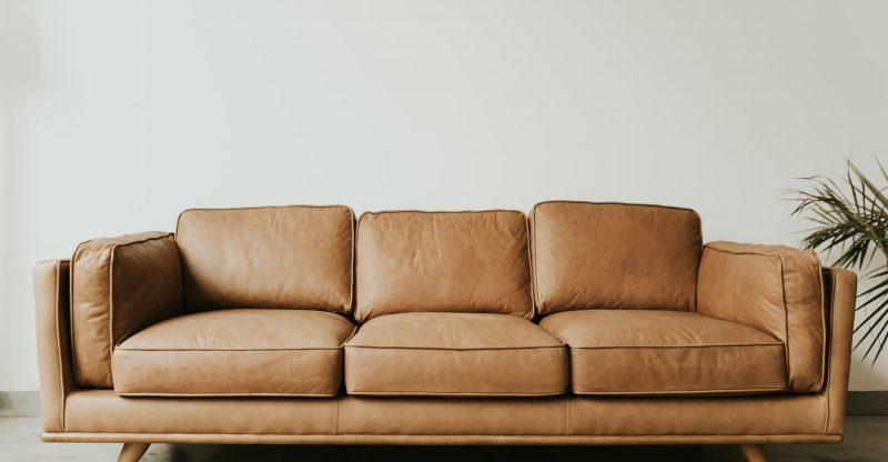 6 produtos que vão ajudar a conservar o estofado do escritório